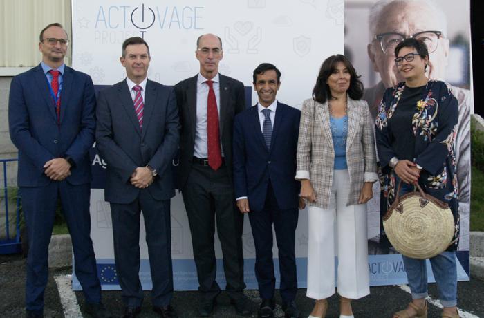 Participantes na presentación dos primeiros avances de Activage.