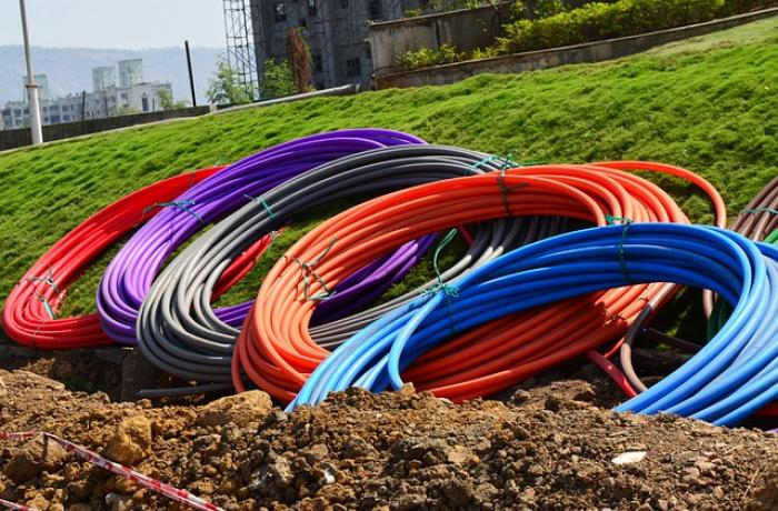 Tubos para soterrar fibra.