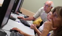 Clases de informática para mayores en el Espacio Caixa en Madrid