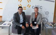 Foto de los responsables de DomusVi y del CITIC.