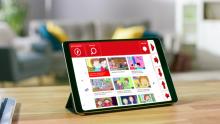 Imaxe do persoal You Tube Kids de Grid3 sobre unha tableta.