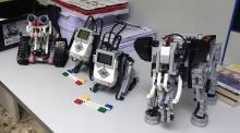 Varios robots de xoguete.