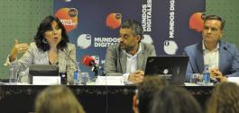 Mar Pereira, Xulio Ferreiro e Manuel Meijide na presentación de Mundos Dixitais.