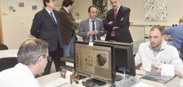 O director xeral de Orientación e Promoción Laboral, Alfonso Marnotes, visitou hoxe as instalacións de Aimen no Porriño.